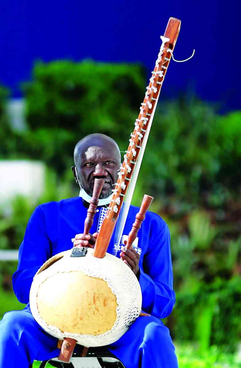 الصورة : » استعراض موسيقي من السنغال