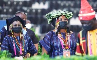 الصورة: الصورة: القبعات  رمزية الإرث الحضاري