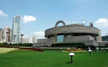الصورة: الصورة: 145  قطعة أثرية تزيّن معرضاً في متحف شانغهاي