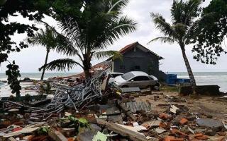 الصورة: الصورة: مقتل ثلاثة أشخاص في زلزال ضرب جزيرة بالي الإندونيسية