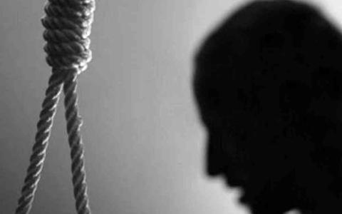 الصورة: الصورة: الأردن.. التحقيق في وفاة شاب ثلاثيني وجد مشنوقاً ومعلقاً أمام منزله