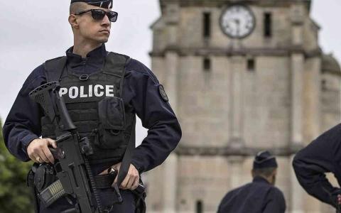 الصورة: الصورة: العثور على امرأة مقطوعة الرأس في فرنسا.. والمشتبه به: لا أتذكر الجريمة