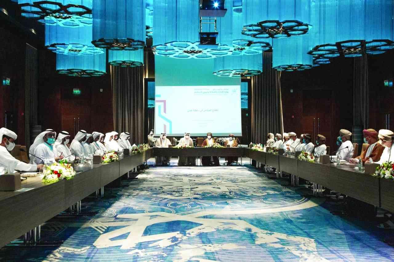 الإمارات وعُمان تبحثان تعزيز التعاون والاستثمار