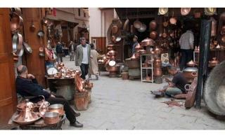 السياحة الداخلية أمل الحرفيين في فاس القديمة