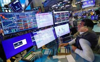 نتائج ضعيفة تربك الأسهم العالمية