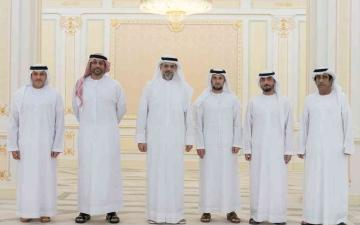 الصورة: الصورة: ولي عهد الشارقة يستقبل المدرب عبدالعزيز العنبري