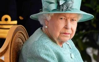 الصورة: الصورة: الملكة إليزابيث تمارس أولى مهامها بعد خروجها من المستشفى