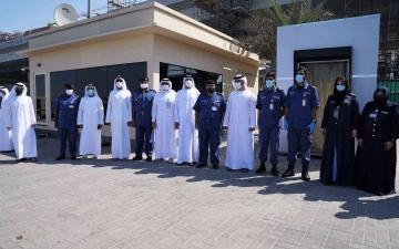 الصورة: الصورة: منصور بن محمد يزور جمارك دبي ويطلع على جهودها في حماية أمن المنافذ
